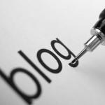 Caneta escrevendo blog